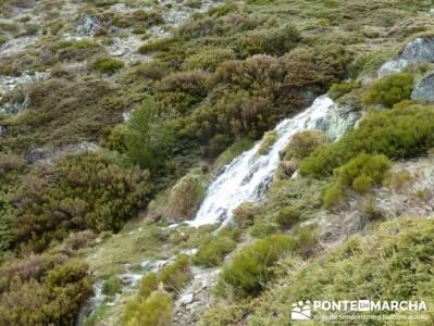 Nacimiento del río Manzanares desde La Barranca; senderismo por malaga